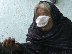 anciana-gripe-porcina