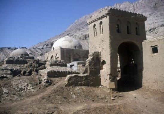 4885893-muy-antigua-mezquita-cerca-de-turpan-xinjiiang-province-china